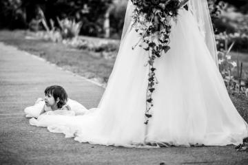 fotograf-craiova-iurasog-momente-emotii-fetita-rochie-e1554843242934