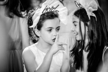 fotograf-craiova-iurasog-momente-emotii-fetite-liniste-biserica-e1554759942220