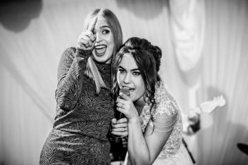 fotograf-craiova-iurasog-momente-emotii-karaoke-e1554842521757