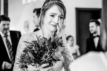 fotograf-craiova-iurasog-momente-emotii-mireasa-lacrimi-e1554842377113