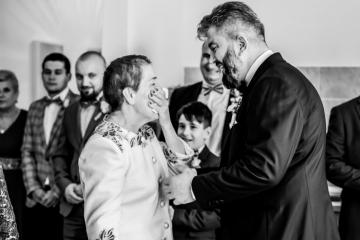fotograf-craiova-iurasog-momente-emotii-pregatiri-mama-mire-e1554828508497