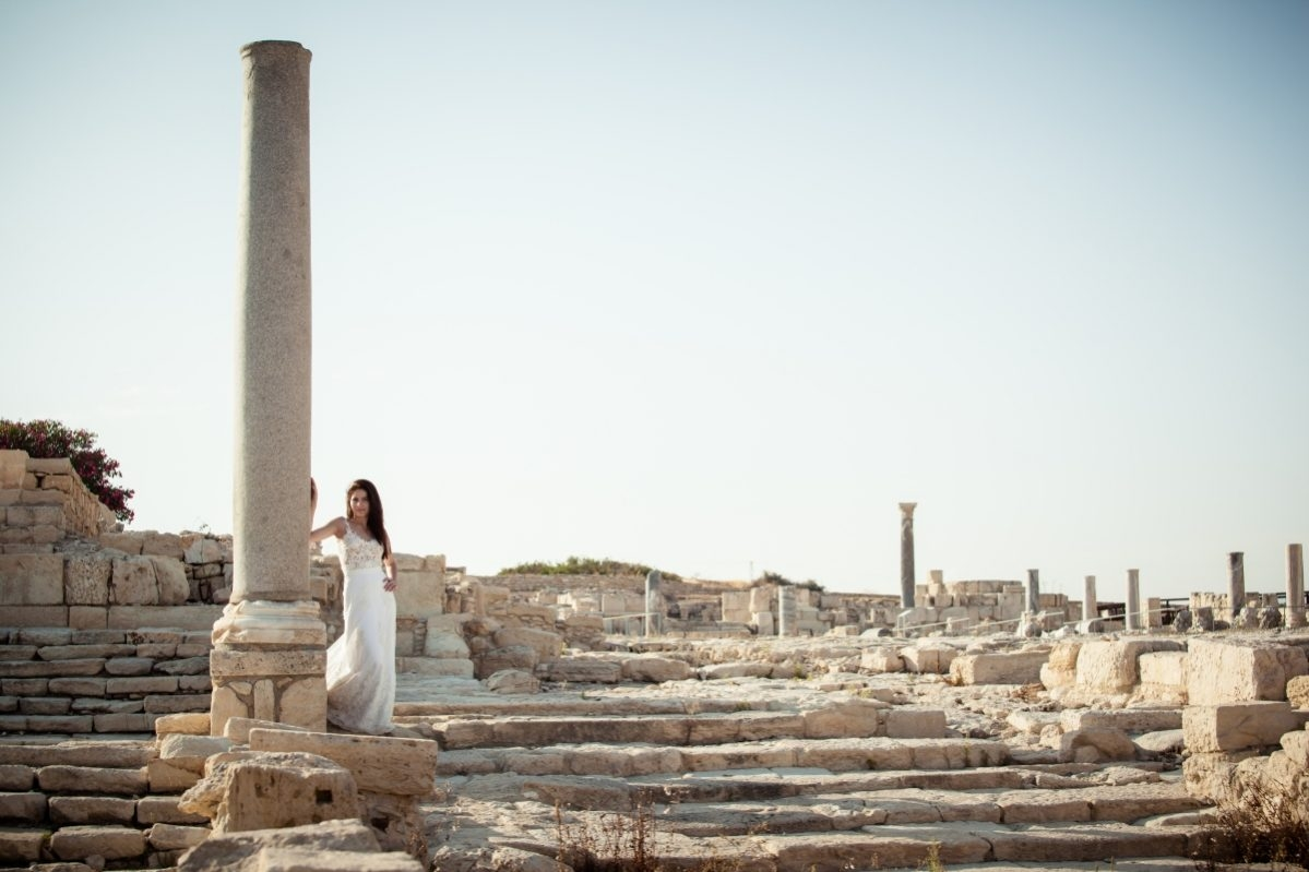 portret mireasa langa site ruine Cipru