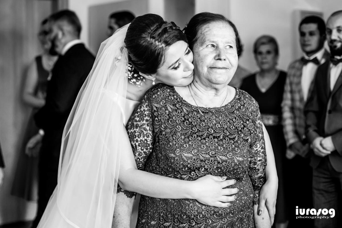 Raluca si Emil mireasa impreuna cu mama obiceiurile de nunta