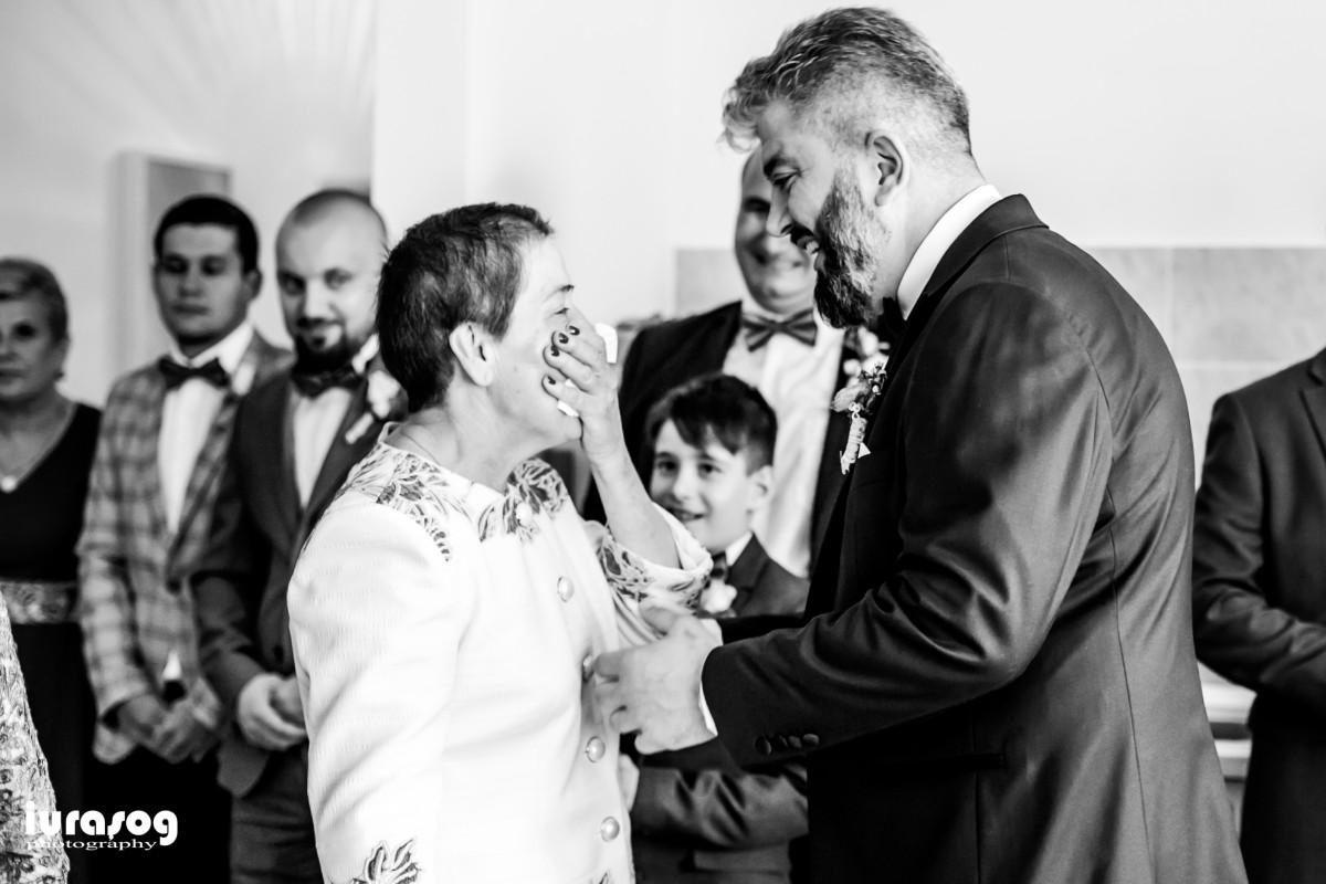 Raluca si Emil mirele cu mama obiceiurile de nunta