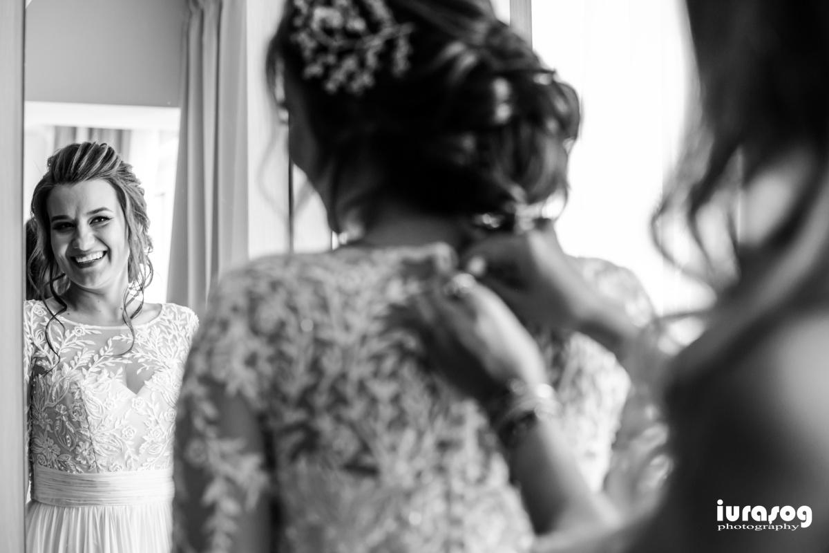 fotografie de nunta craiova Iulia si Adi pregatiri mireasa