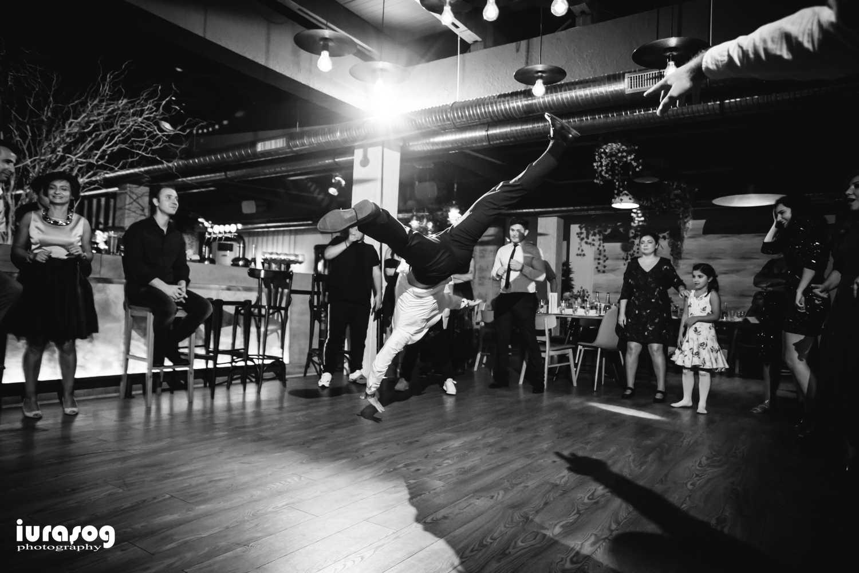 petrecere dans breakdance