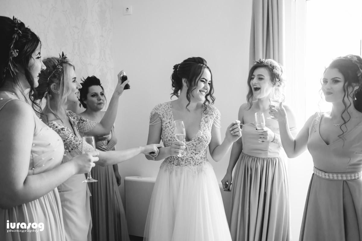 nunta Adelina si Stefan mireasa si domnisoarele