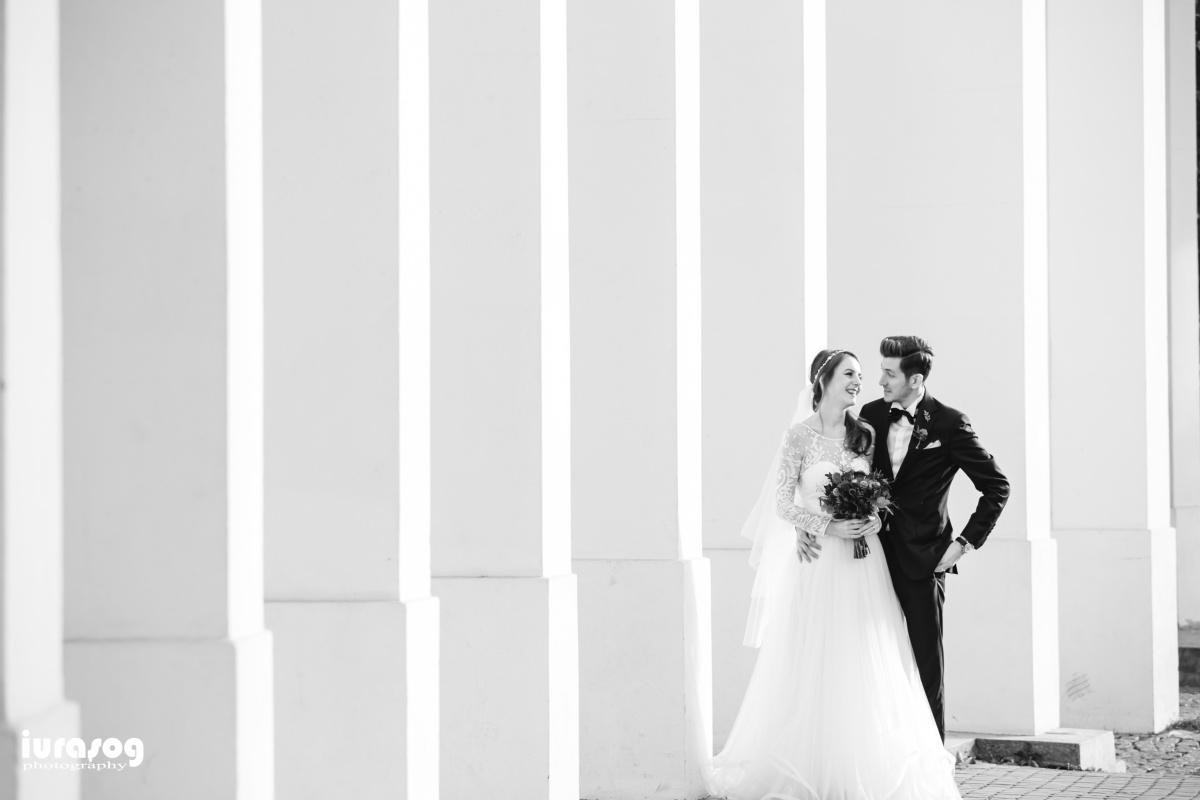 fotograf craiova nunta Irina si Stefan la coloanele din parc