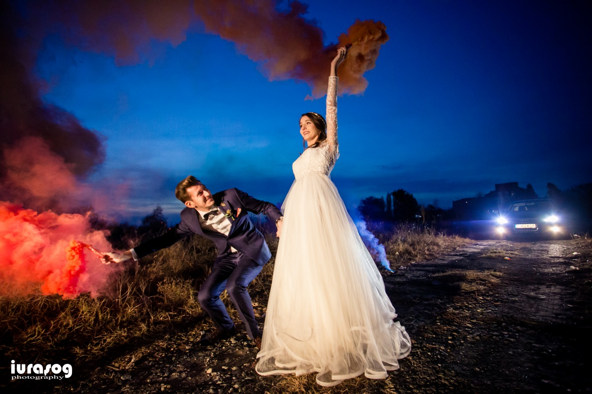 fotograf craiova nunta Irina si Stefan fumigene noaptea